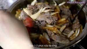 Đam Mê Ẩm Thực Thêm-Cà-chua-Thịt-bò-vào-lại-và-xào-trong-1-2-phút4