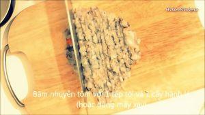 Đam Mê Ẩm Thực 300g-Tôm-thẻ-rửa-sạch-loại-bỏ-vỏ-lấy-chỉ-lưng-và-băm-nhuyễn4-dammeamthuc.com_