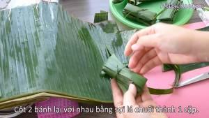 Đam Mê Ẩm Thực Buộc-2-Bánh-lại-với-nhau-bằng-sợi-lá-chuối-thành-cặp-bánh-dammeamthuc.com_