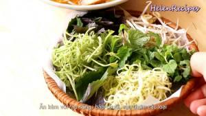 Đam Mê Ẩm Thực Cho-Bún-sợi-to-vào-bát-thêm-nhân-ăn-kèm-Sa-tế-và-chan-Nước-dùng-vào-bát-bún5-dammeamthuc.com_