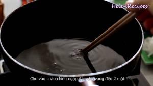 Đam Mê Ẩm Thực Cho-Dầu-ăn-vào-chảo-và-đun-sôi-với-lửa-vừa-dammeamthuc.com_
