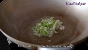 Đam Mê Ẩm Thực Cho-Hành-Boa-Rô-thái-nhỏ-vào-chảo-phi-vàng-dammeamthuc.com_
