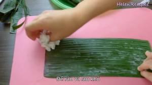 Đam Mê Ẩm Thực Cho-Lá-Chuối-qua-nước-sôi-cho-mềm-dễ-gói-và-tiệt-trùng-rồi-lau-khô-để-ráo2-dammeamthuc.com_
