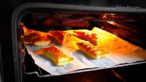 Đam Mê Ẩm Thực Cho-khay-vào-lò-và-nướng-trong-25-phút-cho-đến-khi-bánh-có-màu-vàng-nâu-dammeamthuc.com_