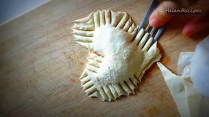 Đam Mê Ẩm Thực Dùng-dĩa-niêm-phong-bánh-rồi-đặt-lên-khay-nướng-có-lót-giấy-nến3-dammeamthuc.com_