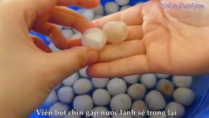 Đam Mê Ẩm Thực Sau-3-phút-vớt-bột-lọc-trân-châu-vào-thau-nước-đá4-dammeamthuc.com_