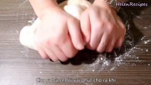 Đam Mê Ẩm Thực Sau-khi-ủ-xong-rắc-Bột-mì-ra-bàn-rồi-nhào-Bột3-dammeamthuc.com_
