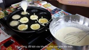 Đam Mê Ẩm Thực Sau-khi-Dầu-nóng-cho-Bột-vào-từng-khuôn-dammeamthuc.com_