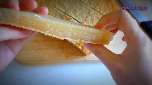 Đam Mê Ẩm Thực Sau-khi-bánh-nguội-chia-bánh-thành-từng-miếng-vừa-ăn2-dammeamthuc.com_