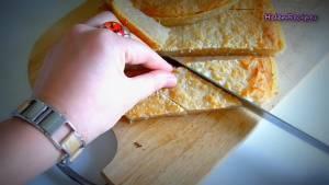 Đam Mê Ẩm Thực Sau-khi-bánh-nguội-chia-bánh-thành-từng-miếng-vừa-ăn3-dammeamthuc.com_