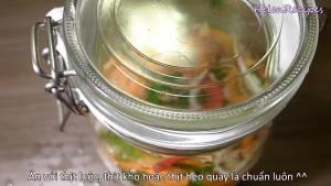 Đam Mê Ẩm Thực Sau-khi-ngâm-xong-cho-hỗn-hợp-Rau-củ-vào-lo-thủy-tinh-và-ngâm-trong-vài-tiếng3-dammeamthuc.com_