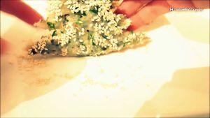 Đam Mê Ẩm Thực Sau-khi-tạo-hình-xong-quết-lớp-hỗn-hợp-Tôm-lên-bề-mặt-bánh-Mì4-dammeamthuc.com_