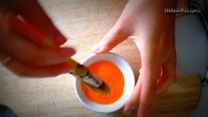 Đam Mê Ẩm Thực Tách-lòng-đỏ-trứng-vào-bát-nhỏ2-dammeamthuc.com_