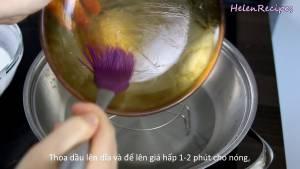 Đam Mê Ẩm Thực Thoa-chút-Dầu-ăn-lên-đĩa-rồi-để-lên-giá-hấp-1-2-phút-cho-nóng-dammeamthuc.com_