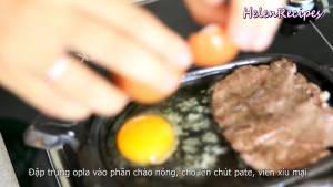Đam Mê Ẩm Thực p-trứng-ốp-la-vào-phần-chảo-nóng-dammeamthuc.com_