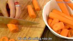 Đam Mê Ẩm Thực Cà-Rốt-loại-bỏ-vỏ-cắt-miếng-vừa-ăn-dammeamthuc.com_