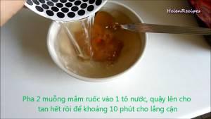 Đam Mê Ẩm Thực Cho-2-tbsp-Mắm-Ruốc-1-cup-Nước-vào-bát2-dammeamthuc.com_