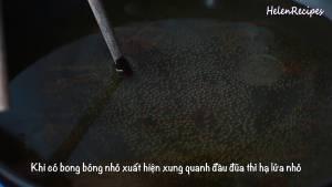 Cho-Dầu-vào-chảo-và-đun-nóng-già2-dammeamthuc.com_