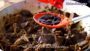 Đam Mê Ẩm Thực Cho-Thịt-Bò-đã-ướp-vào-chảo-và-đảo-đều2-dammeamthuc.com_