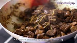 Đam Mê Ẩm Thực Cho-Thịt-Bò-đã-ướp-vào-chảo-và-đảo-đều3-dammeamthuc.com_