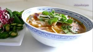 Đam Mê Ẩm Thực Cho-bún-Thịt-bò-giò-Heo-vào-bát.-Thêm-nước-dùng5-dammeamthuc.com_
