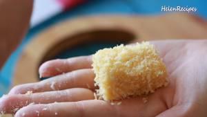 Đam Mê Ẩm Thực Lăn-miếng-Sữa-qua-lớp-Bột-mì-nhúng-vào-hỗn-hợp-trứng6-dammeamthuc.com_