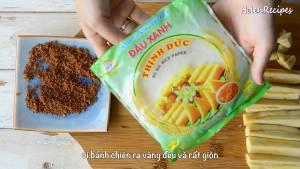Lăn-từng-miếng-chuối-qua-lớp-đường-quế-dammeamthuc.com_