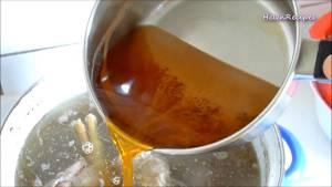 Đam Mê Ẩm Thực Sau-khi-nguội-bớt-cho-phần-nước-trong-hỗn-hợp-mắm-ruốc-dammeamthuc.com_